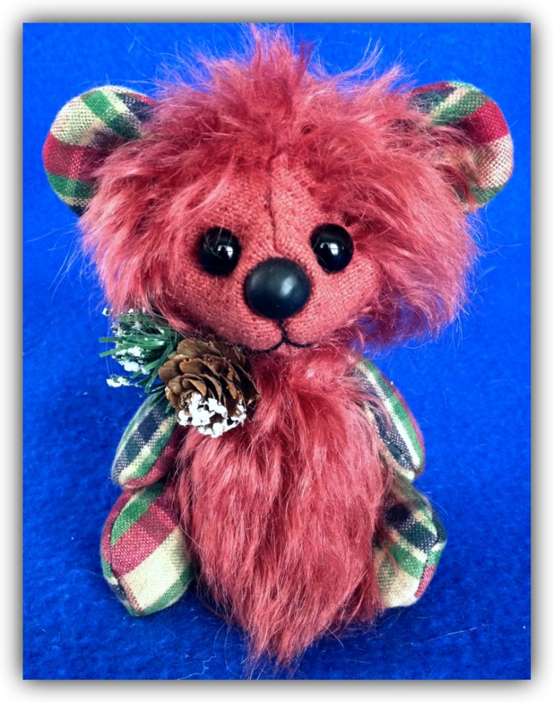 Cranbeary - Christmas Artist Teddy Bear by Laura Lynn