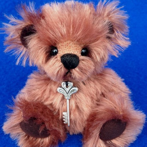 Rusty - Miniature artist teddy bear by Laura Lynn